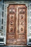 Schließen Sie oben von Santa Croce-Haustür in Florenz Lizenzfreies Stockfoto