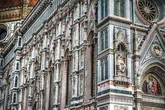 Schließen Sie oben von Santa Maria del Fiore-Fassade in Florenz Lizenzfreie Stockbilder