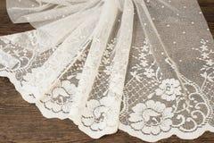 Schließen Sie oben von schönem weißem Tulle Bloße Vorhang-Gewebe-Probe Beschaffenheit, Hintergrund, Muster Ist hier ein Foto von  Lizenzfreies Stockbild