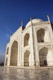 Schließen Sie oben von Taj Mahal vom Ostgatter. Stockfotos