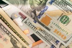 Schließen Sie oben von USA-Banknoten, 100 US-Dollar Anmerkung, 50 US-Dollar Anmerkungen, 20 US-Dollar Anmerkungen Stockbild