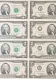 Schließen Sie oben von zwei Dollarscheinen. Lizenzfreie Stockfotos