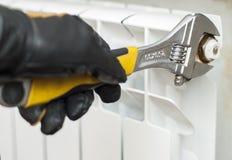 Schließt Klempnerarbeitinstallationen an Lizenzfreie Stockbilder
