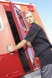 Schließende Krankenwagentüren des Sanitäters Lizenzfreie Stockfotos