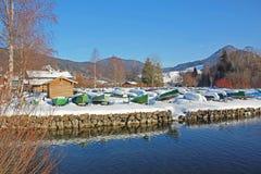Schliersee invertido do lago dos barcos de enfileiramento, Alemanha Imagens de Stock Royalty Free