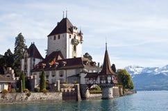 Schloss auf dem See Thun Lizenzfreie Stockfotografie