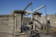Schloss-Betrag-Brücke Stockfotos