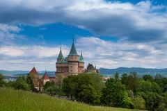 Schloss Bojnice in Slowakei Stockbilder