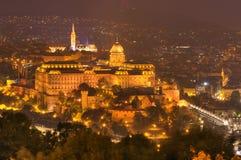 Schloss Budapests, Ungarn, Budapest - Nachtbild lizenzfreies stockbild