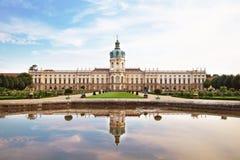 Schloss charlottenburg och park i berlin, germany Arkivfoton