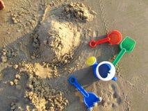 Schloss, das auf Strand bildet lizenzfreie stockfotos