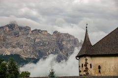 Schloss in den Wolken lizenzfreie stockfotos