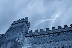 Schloss in der Nacht Lizenzfreies Stockfoto