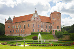Schloss des roten Backsteins Lizenzfreie Stockfotografie