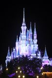 Schloss Disney-Aschenputtel nachts Lizenzfreie Stockfotografie