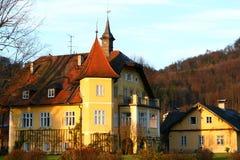 Schloss in einer Landschaft Lizenzfreie Stockbilder
