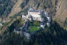 Schloss Hohenwerfen in den österreichischen Alpen Stockbilder