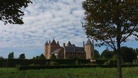 Schloss im bewölkten Himmel Lizenzfreies Stockfoto
