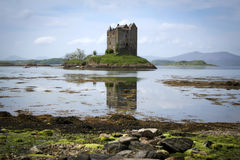 Schloss-Jäger Loch linnhe Schottland Stockbild