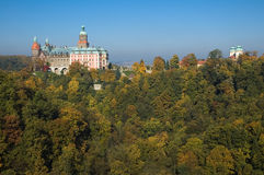 Schloss Ksiaz in den Herbstfarben, Polen Stockbild