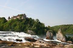 Schloss Laufen bei Rhinefall Stockfotos