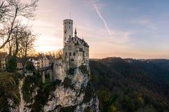 Schloss Lichtenstein slottTyskland Baden-Wuerttemberg Swabian A Arkivfoton
