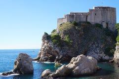 Schloss Lovrijenac auf einer Klippe in Dubrovnik Stockbilder