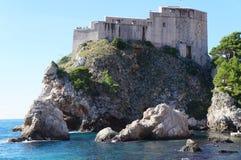 Schloss Lovrijenac auf einer Klippe in Dubrovnik Stockbild