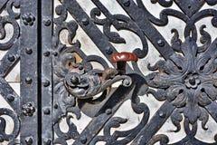 Schloss-Metalltür lizenzfreie stockfotografie