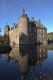Schloss mit Abzugsgraben Stockbild