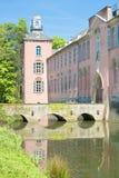 Schloss mit Abzugsgraben Stockbilder