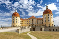 Schloss Moritzburg, castillo barroco en Moritzburg, cerca de Dresden, Sajonia Alemania imagenes de archivo