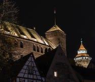 Schloss Nürnberg nachts lizenzfreies stockfoto