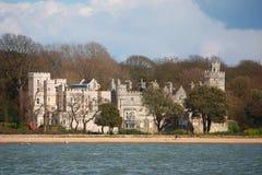 Schloss nahe bei dem Meer Lizenzfreies Stockfoto
