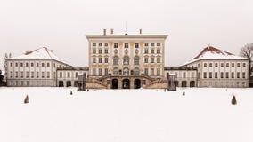Schloss Nymphenburg που καλύπτεται στο χιόνι στοκ φωτογραφία με δικαίωμα ελεύθερης χρήσης