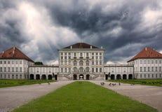 Schloss Nymphenburg, tempo nuvoloso Architectur di Monaco di Baviera Germania Immagini Stock