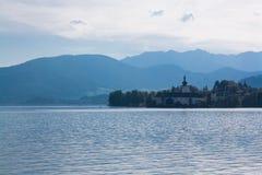 Schloss Ort en el lago Traunsee, Gmunden, Austria Fotografía de archivo