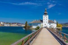 Schloss Ort, slott i Gmunden, Österrike, Europa fotografering för bildbyråer