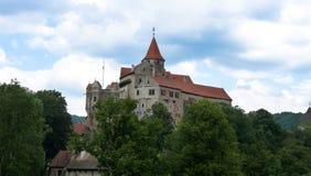 Schloss Pernstejn lizenzfreie stockfotos