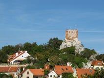 Schloss-Ruinen in Mikulov Lizenzfreie Stockfotos