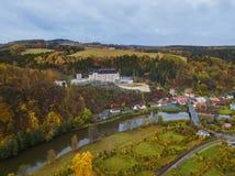 Schloss Sternberk in der Tschechischen Republik - Vogelperspektive Lizenzfreies Stockbild
