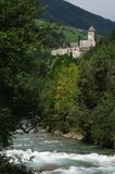 Schloss Taufers in Campo Tures, Valle Aurina stockbilder