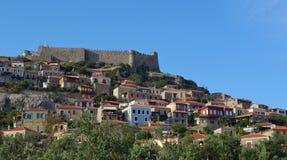 Schloss und Dorf Molyvos Lizenzfreie Stockfotografie