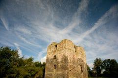 Schloss und großartiger Himmel Stockbilder