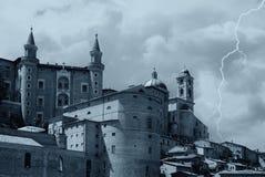 Schloss und Wetter Lizenzfreie Stockfotografie