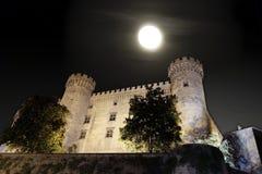Schloss von Bracciano unter Vollmond Lizenzfreie Stockfotos
