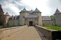 Schloss von Corroy-Le-Château (frontale Ansicht) Lizenzfreies Stockfoto