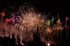 Schlossform Disney-Aschenputtel mit Feuerwerken Stockfotografie