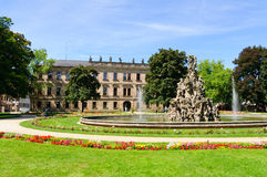 Schlossgarten在夏天在埃朗根,德国 免版税库存图片