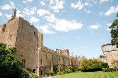 Schlossgebäude und -gärten Stockfotografie
